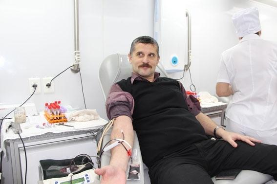 Тамбовские полицейские приняли участие в донорской акции