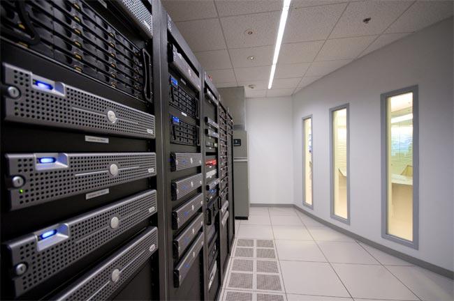 Данные россиян будут храниться только на отечественных серверах