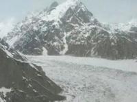 В Гималаях из-за схода лавины погибли больше сотни военных