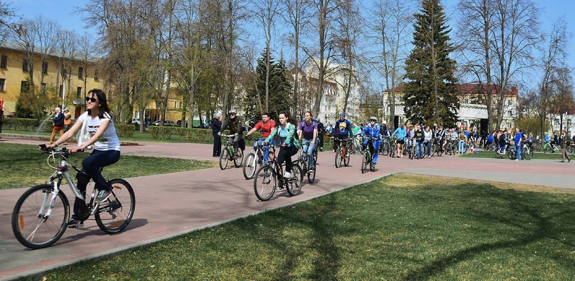 Любители покататься на велосипедах открыли сезон