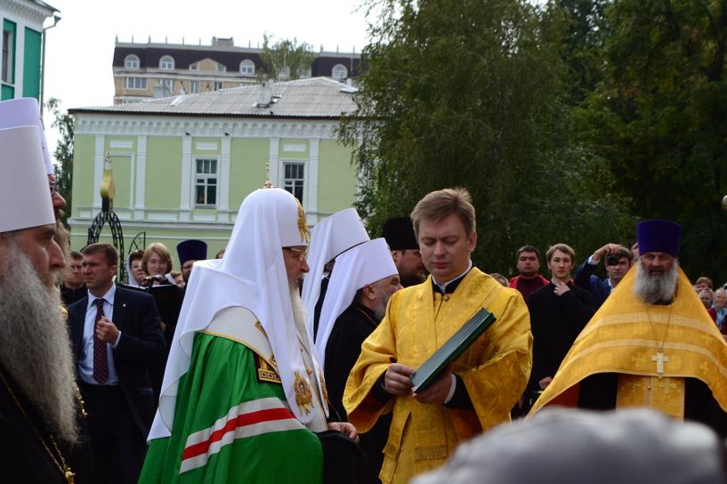 Глава РПЦ освятил колокольню Казанского монастыря