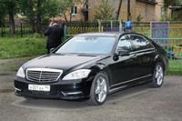 Чиновники пересядут на российские машины в 2013