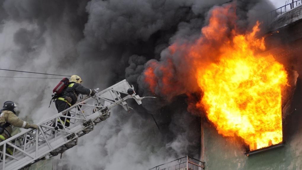 Горячие праздники: в первые дни января тамбовским пожарным не давали сидеть на месте