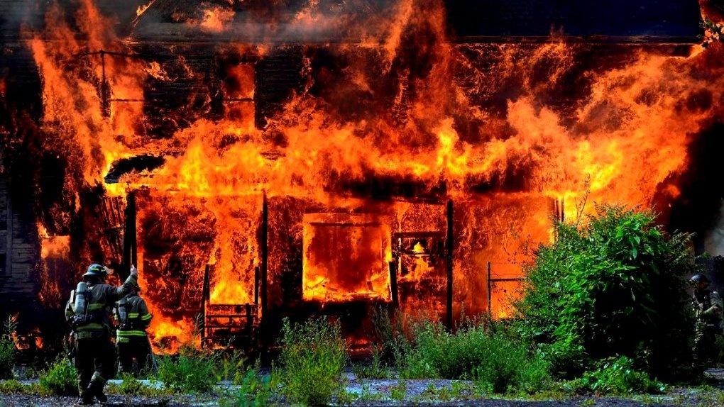 53-летний мужчина сгорел в собственном доме