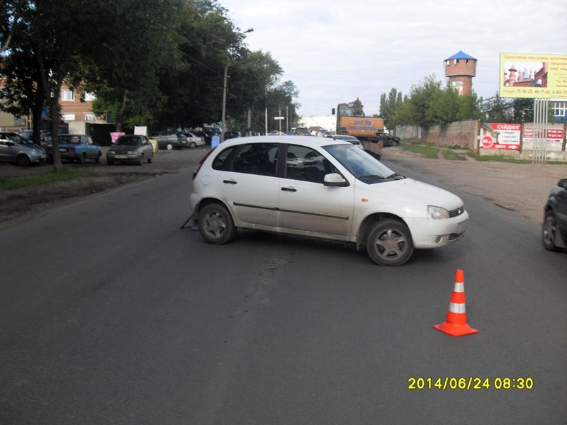 В Тамбове автоледи на «Калине» не разъехалась с мопедом