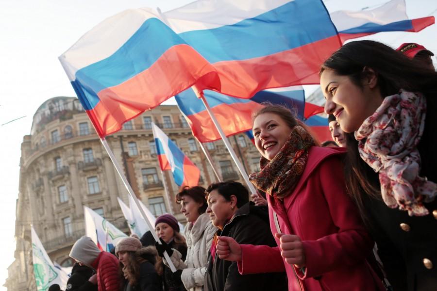 Дешёвые авиа и ж/д билеты в Москву на праздник «День России»