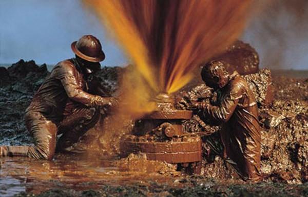 Нефть упала ниже 50 долларов за баррель