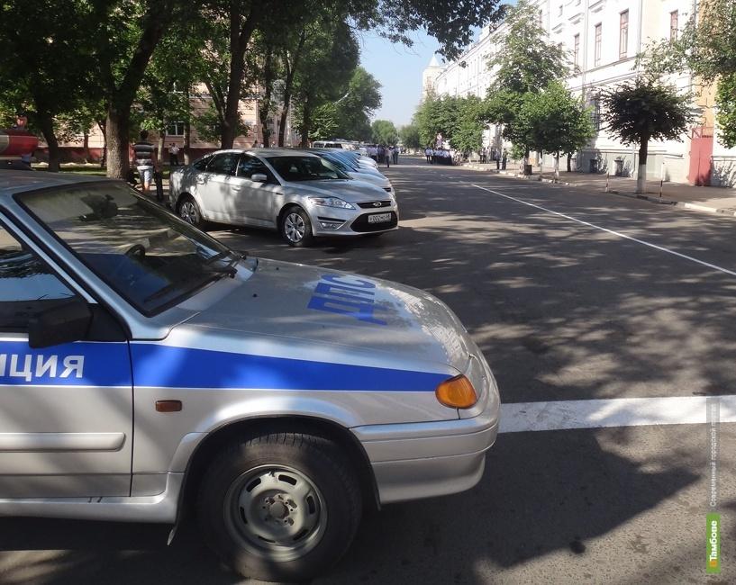 Молодую тамбовчанку осудили за избиение полицейского