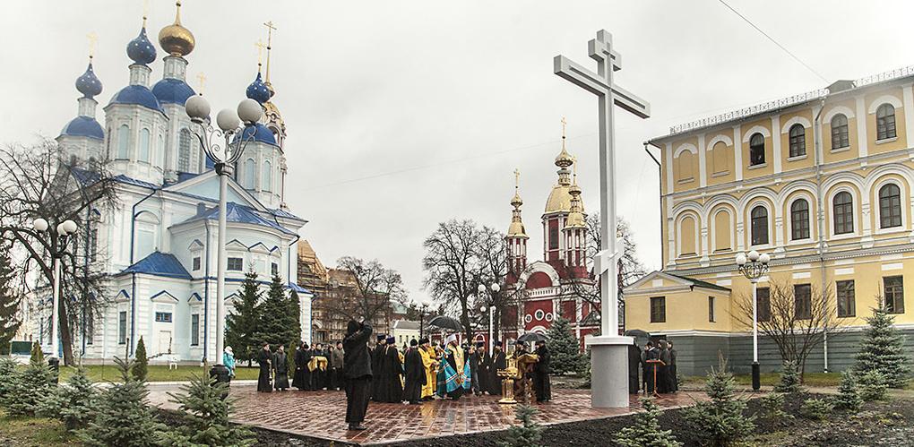 В День памяти жертв политических репрессий в Тамбове освятили поклонный крест