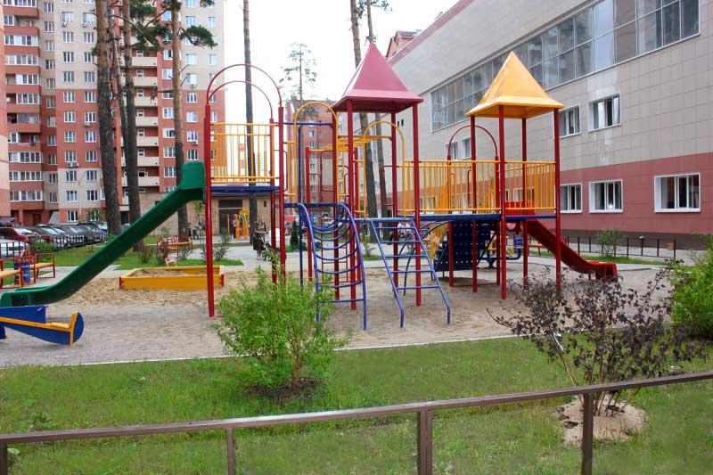 На дворовых территориях областного центра появятся новые игровые площадки