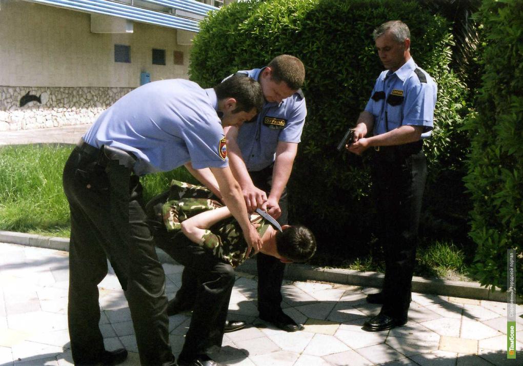 На Тамбовщине с поличным поймали торговца оружием