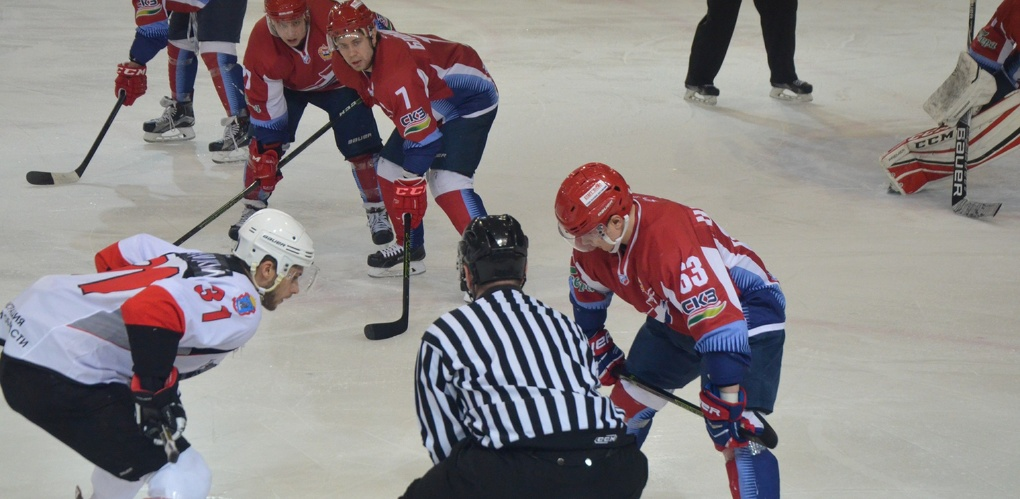 Первую игру за третье место первенства ВХЛ «Тамбов» проведёт 11 апреля