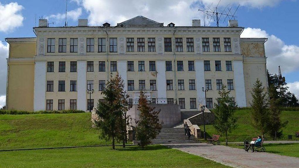 Кровлю бывшего Дома пионеров отремонтируют за 5,6 миллиона рублей