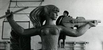Скульптура с тамбовской филармонии снова осталась «без прописки»