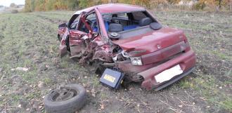 На трассе столкнулись две легковушки: один из водителей скончался в больнице