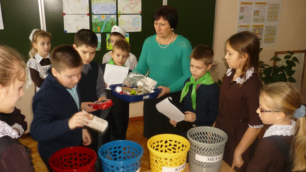 Уроки сортировки отходов: как тамбовские школьники за полгода собрали 6 тонн бумаги