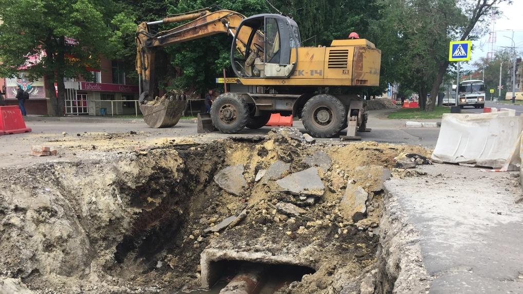 На Мичуринской заменят небольшой участок трубопровода. Воду обещают не отключать