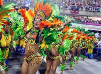 Шоу красок и танца: в Рио-де-Жанейро прошел ежегодный карнавал