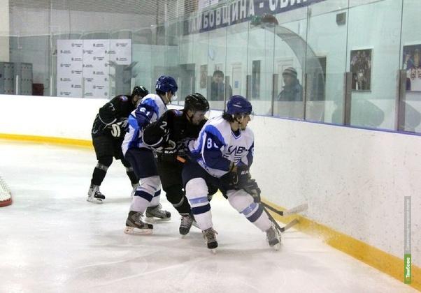 Тамбовские хоккеисты проиграли гостям из Самары по буллитам