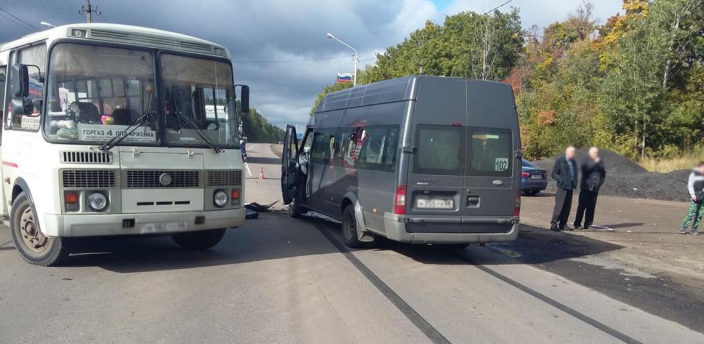 Два пассажирских автобуса столкнулись в Рассказово: травмы получили 7 человек