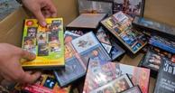 Тамбовские полицейские изъяли 2500 контрафактных дисков из павильона на Центральном рынке