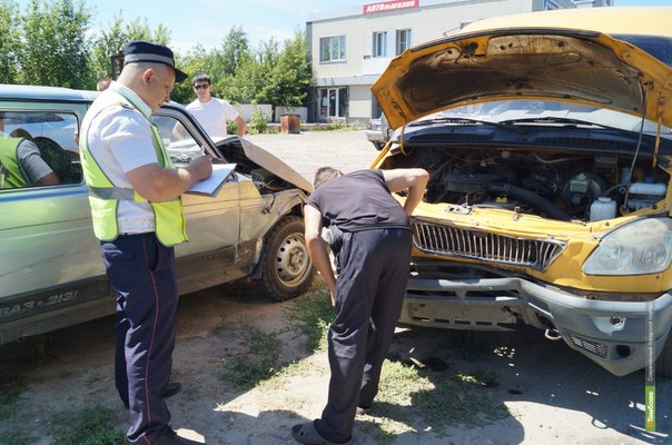 Land Cruiser на бульваре Энтузиастов протаранил 6 автомобилей