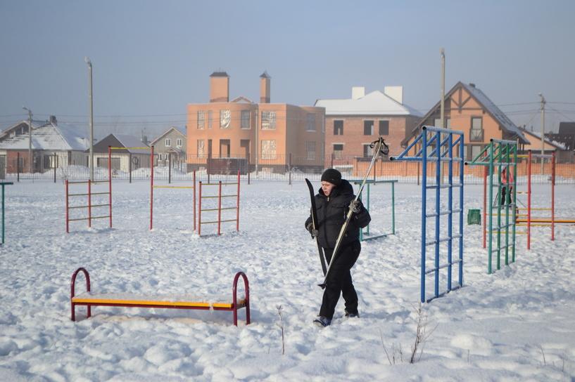 Бывший стадион первой школы отдали «Спартаку»