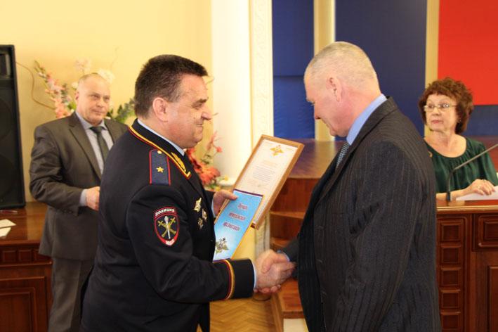 Ветераны МВД за год помогли полицейским раскрыть около 500 преступлений