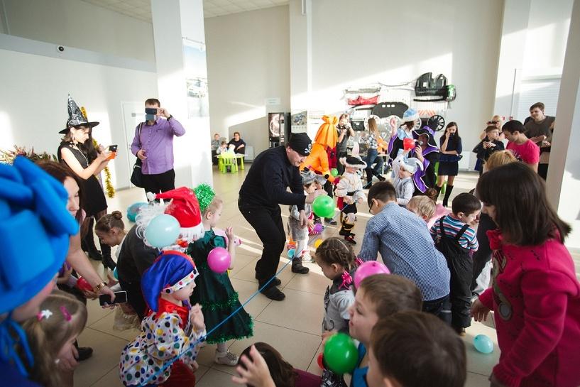 Дилерский центр Авторитет, официальный дилер ŠKODA в Тамбове, провел новогодний утренник для детей