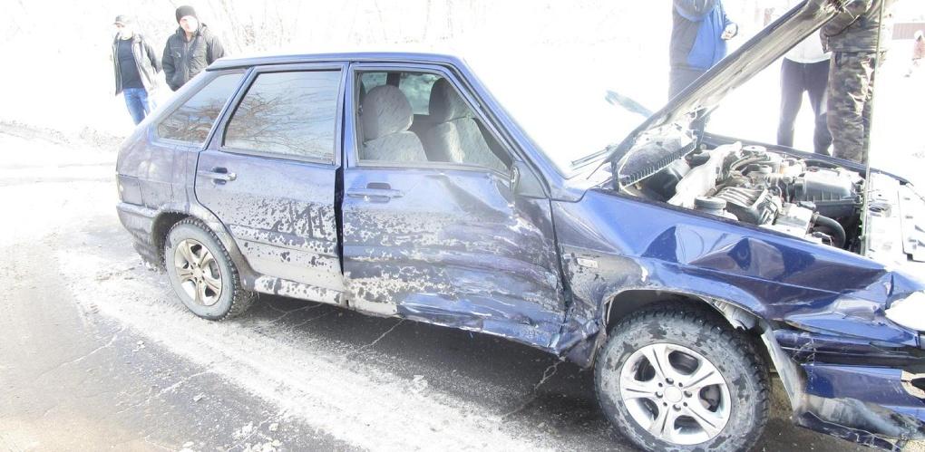Автоледи на «четырнадцатой» врезалась в «девятку»