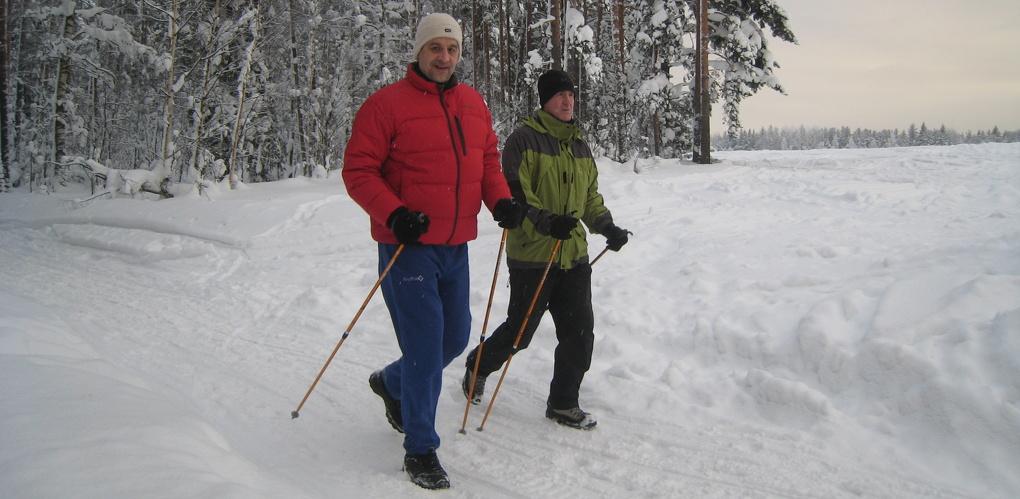Тамбовских пенсионеров научат скандинавской ходьбе