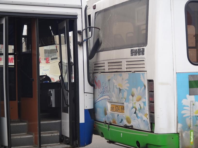 В Тамбове попали в аварию два пассажирских автобуса