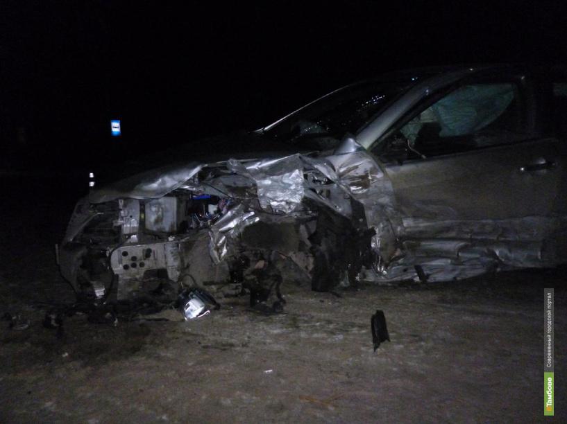 В Тамбовском районе лоб в лоб столкнулись BMW и Toyota