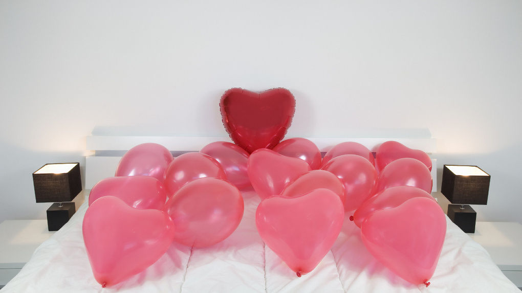 Цветы, плюшки и видео с Кипра: Instagram тамбовчан показывает, что им подарили на День Святого Валентина