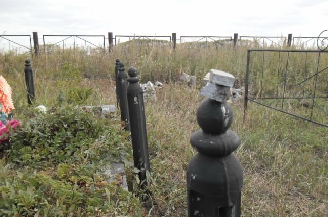 Ради наживы двое рассказовцев украли памятник с кладбища