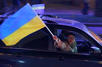 Больше пяти не собираться: украинцам запретили ездить колоннами