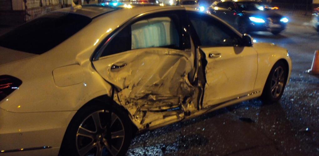 В Тамбове два авто не разъехались на перекрёстке