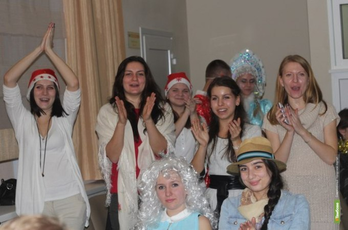 В Тамбове студенческую молодежь закружила «Метелица»
