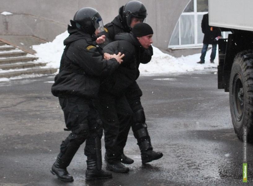Жителя Мичуринска осудили за применение насилия к полицейскому