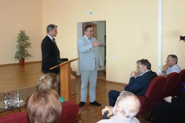 Перед тамбовчанами выступил посол России в Ватикане