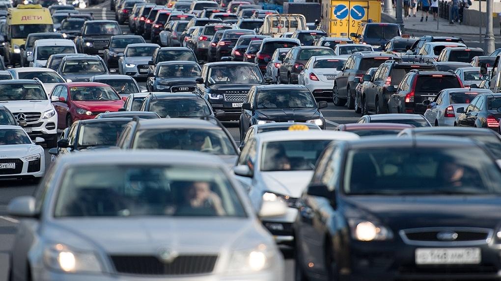 Езда взаймы: в России покупка машин в кредит бьёт рекорды