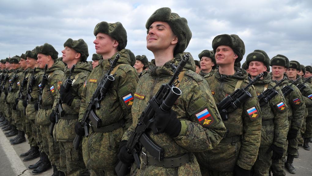 Праздник всех мужчин или только военных? Россияне охарактеризовали 23 февраля