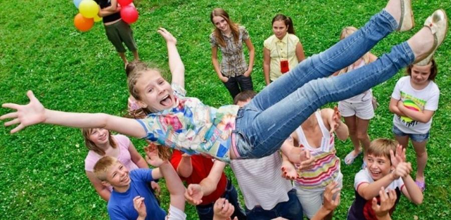 Более 35 тысяч трудных подростков отдохнут в летних оздоровительных лагерях