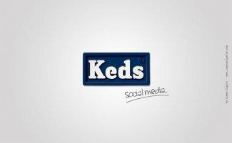 Социальные сети превратили в кеды