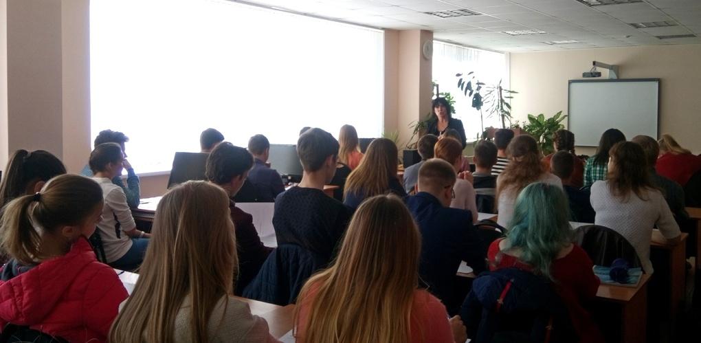 Студенты Тамбовского филиала РАНХиГС разрабатывают бизнес-проекты в рамках школы молодежного предпринимательства