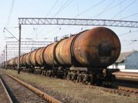 В Узбекистане сошли с рельсов 30 цистерн с горючим
