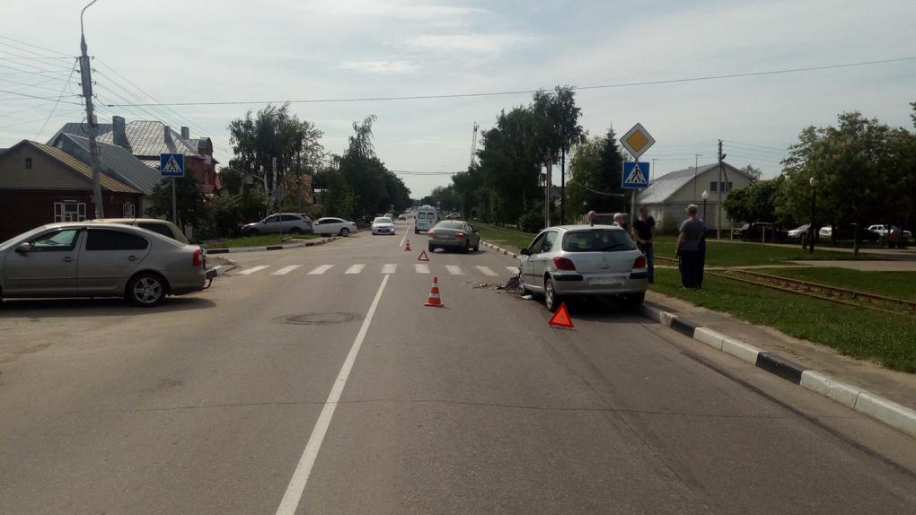 Авария перед пешеходным переходом в Тамбове: пострадавшая в больнице