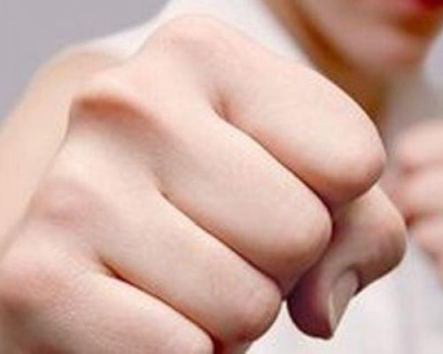 Тамбовчанка получила срок за избиение полицейского