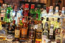 Минздрав предложил поднять возрастной ценз на продажу алкоголя