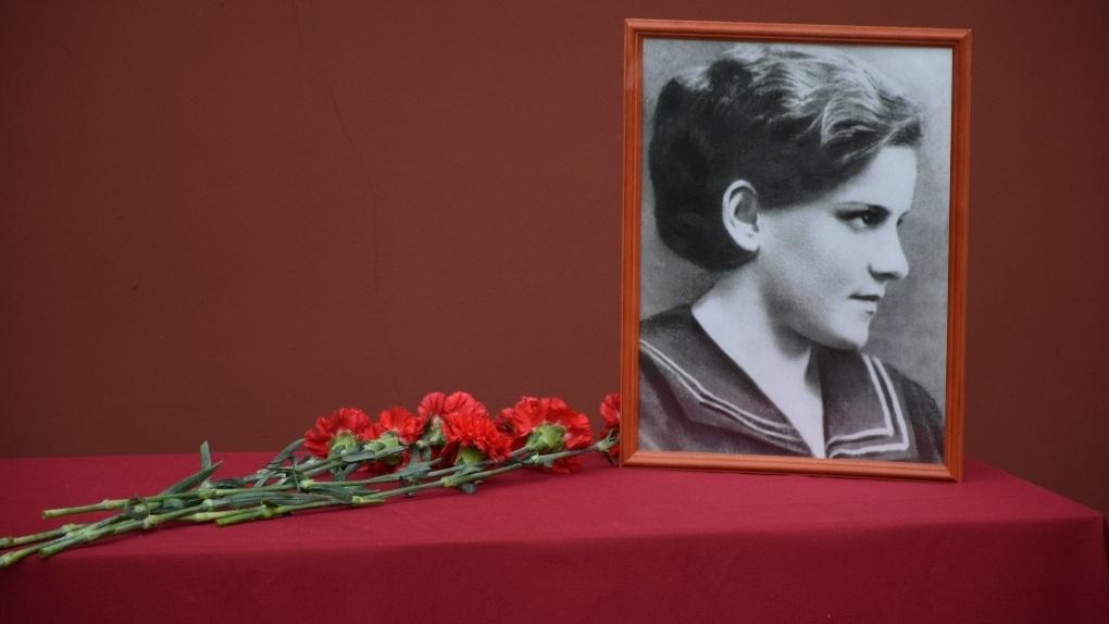 В Тамбове открыли мемориальную доску разведчице-радистке Тамаре Дерунец